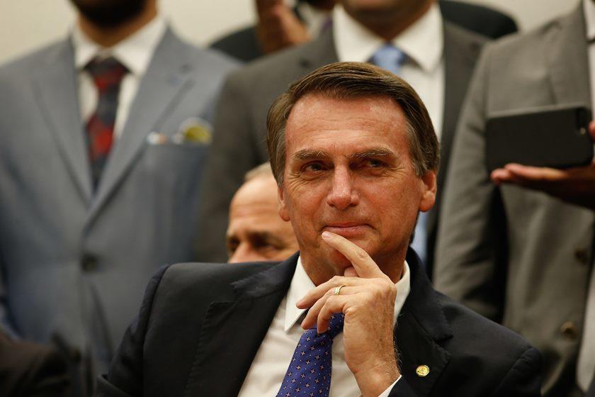 Bolsonaro 840x560 - MENOS MULTAS, MAIS PONTOS: Bolsonaro entrega na Câmara projeto que altera regras da CNH