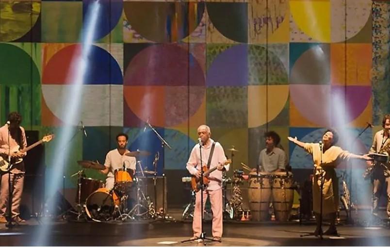Capturar 11 - Show de Gilberto Gil lota Teatro Pedra do Reino, em João Pessoa - VEJA VÍDEOS