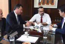 NINJA NA REDE: Ruy Carneiro vai ao MEC tentar sensibilizar ministro para disponibilizar mais recursos para UFPB, UFCG e IFPB
