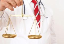'O QUE É MAIS IMPORTANTE, A SAÚDE HUMANA OU AS CUSTAS PROCESSUAIS?': procurador questiona postura de magistrados em processos movidos por pacientes