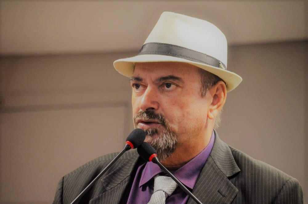 Jeová criticou a liberação de mais agrotóxicos anunciada pelo governo federal - Jeová Campos critica a liberação de mais agrotóxicos no Brasil e diz que país anda na contramão do meio ambiente