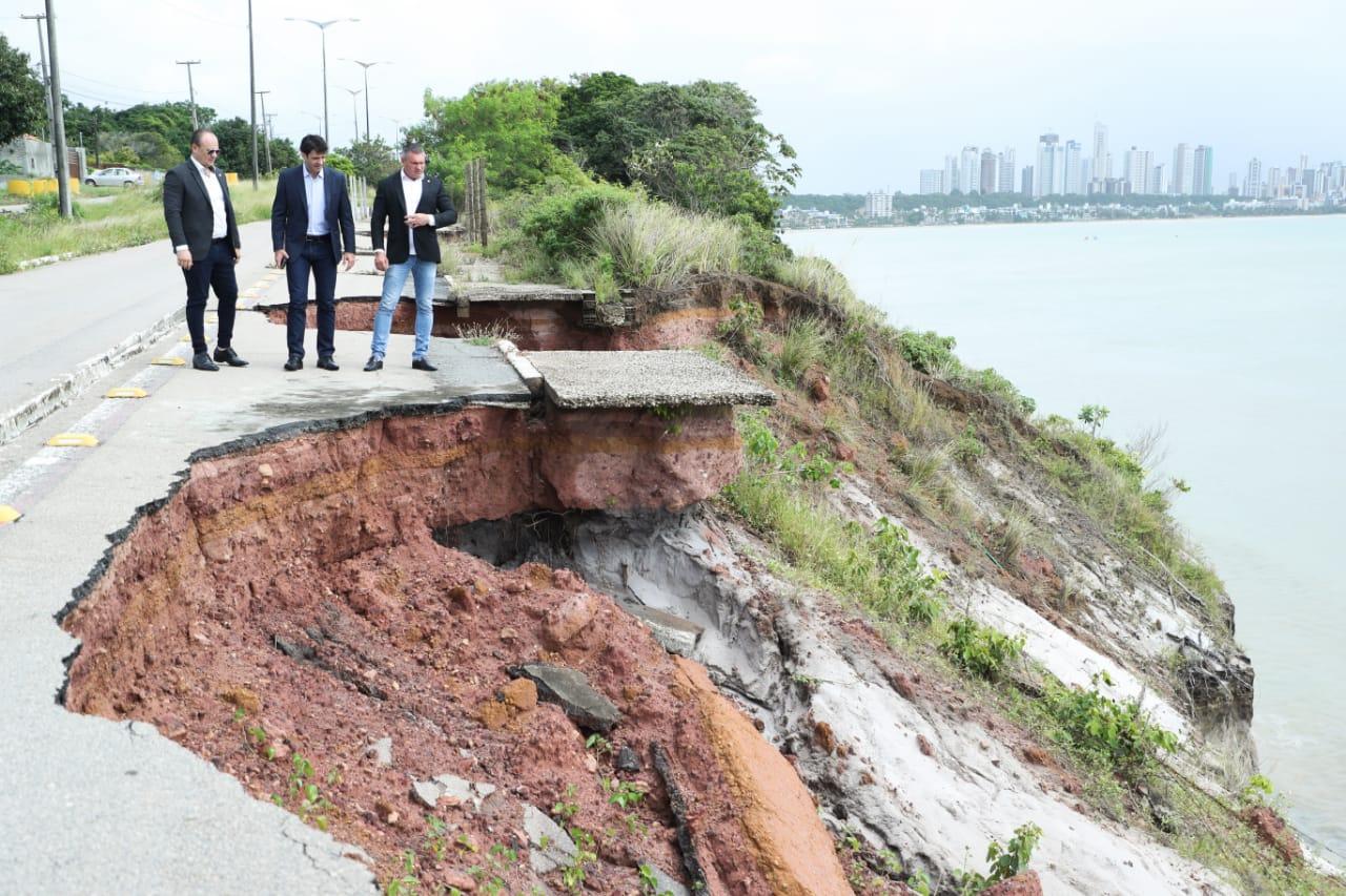 WhatsApp Image 2019 06 10 at 12.25.30 - Ministro do Turismo visita Barreira do Cabo Branco e garante recursos para recuperação