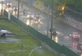 TRANSTORNOS: chuvas intensas provocam alagamentos em bairros de João Pessoa – Veja Fotos