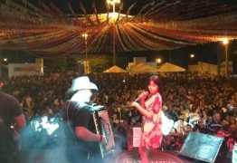 Eduarda Brasil emociona público na noite de São João em Cajazeiras