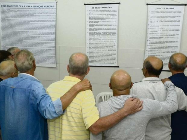 aa - 'DEPENDENTES DA BEBIDA': Paraíba tem 124 grupos de AA que ajudam quase 2,5 mil pessoas diariamente