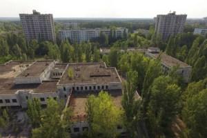 acidente nuclear em chernobyl 10 300x200 - 33 anos depois do acidente nuclear, veja como está Chernobyl na vida real