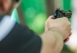 'PARA DEFENDER A CASA E A FAMÍLIA': instrutor de tiros defende armamentismo e diz que 'brasileiro tem que aprender a lutar'
