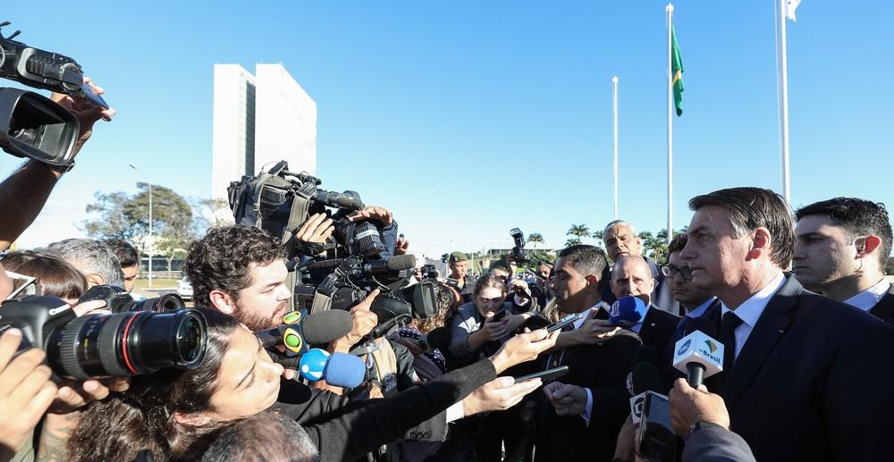 entrevista bolsonaro planalto - 'Se quer levar mais de 10 quilos, pague', diz Bolsonaro após veto a bagagem gratuita