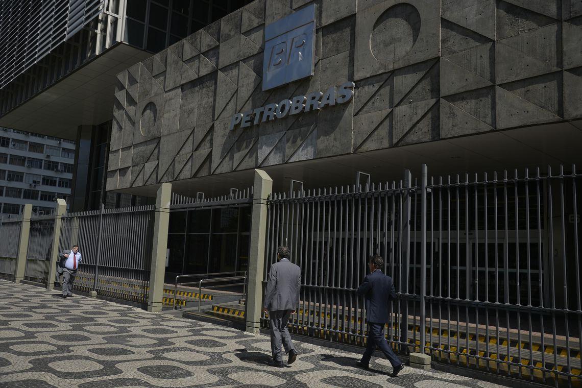 ffraz abr 03011910081 - Petrobras vai rever periodicidade de reajustes de diesel e gasolina