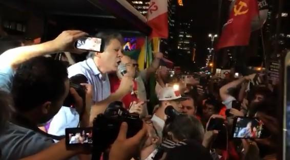 haddad reproducaotwitter - 'Somos muito melhores que Bolsonaro e vamos resgatar esse país', diz Haddad em ato da Greve Geral