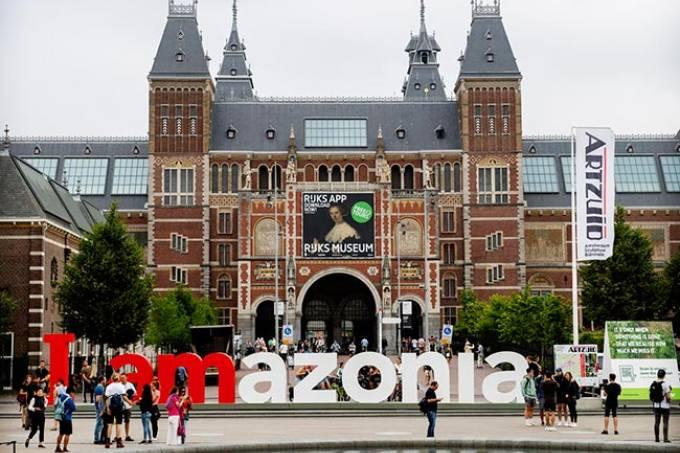 iamamazon - Famoso letreiro de Amsterdã adere à campanha de defesa da Amazônia