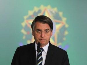 j.bolsonaro.s.lima .8.abr .2019 1 1 1 868x644 300x223 - CARGOS NO GOVERNO: Bolsonaro ignora indicações de parlamentares há 3 meses, diz jornal