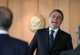 Bolsonaro deve ir à Câmara entregar projeto que dobra pontos da CNH