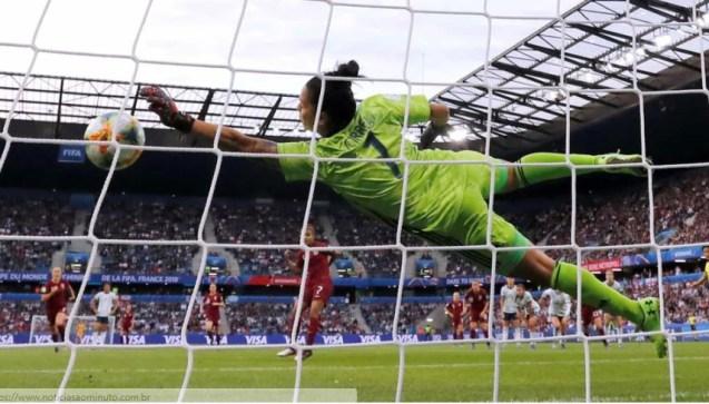 jogo 1 300x171 - Última rodada da fase de grupos da Copa do Mundo de Futebol Feminino começa hoje
