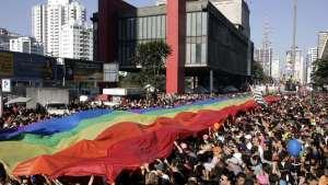 naom 5cebb917243d0 300x169 - Prefeitura de SP espera mais de 3 milhões de pessoas na parada LGBT