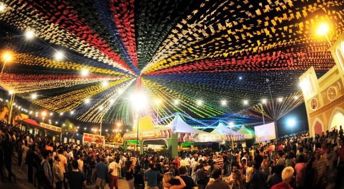 publicacao35519 - Festejos juninos no Centro de Conde tem shows de Luizinho Calixto e Amazan