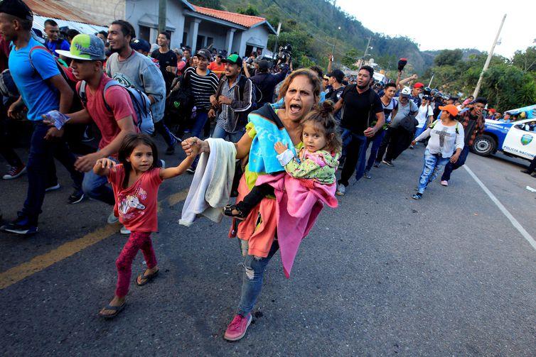 reuters jorge cabrera2 - EUA corta serviço para crianças imigrantes em abrigos