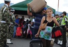 FRONTEIRA: Milhares de venezuelanos entram na Colômbia após abertura da fronteira
