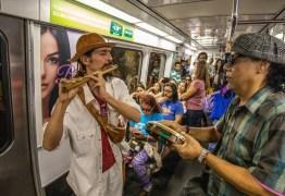 'GRITARIAS E RUÍDOS ESTRIDENTES': Justiça proíbe artistas de rua no metrô, após ação de Flávio Bolsonaro