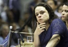 Janaina Paschoal critica Toffoli por suspender inquéritos com dados do Coaf