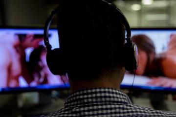 Assistir pornografia polui o meio ambiente, revela pesquisa