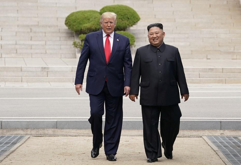 2019 06 30t093203z 1811212807 rc171ae62a20 rtrmadp 3 northkorea usa southkorea - Cantora 'fuzilada' por vídeo em orgia surge na reunião de Kim e Trump