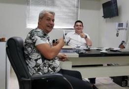 Fabiano divulga áudio de Sikeira o elogiando: 'quem é o verdadeiro Fabiano o dos elogios ou o que denunciou calote?' – OUÇA