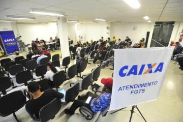 25260664 - Governo vai liberar até 35% do saldo das contas ativas do FGTS, diz Guedes