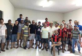 Prefeito reúne desportistas para idealizar torneios e definir reinauguração do campo 'O Silvão' em Mata Redonda