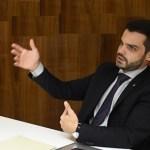FOTO GABRIEL BULHÕES - MULTAS ASSINADAS EM NATAL: Advogado detido pela PRF já havia sido multado por não pagar licenciamento de carro e por se recusar a fazer teste do bafômetro