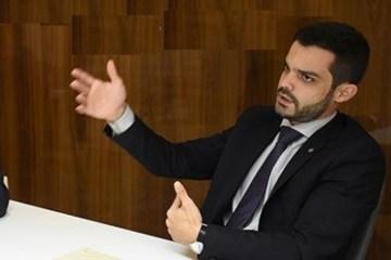 MULTAS ASSINADAS EM NATAL: Advogado detido pela PRF já havia sido multado por não pagar licenciamento de carro e por se recusar a fazer teste do bafômetro