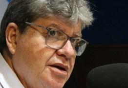João Azevêdo diz que já foi retaliado pelo governo Bolsonaro em duas ocasiões