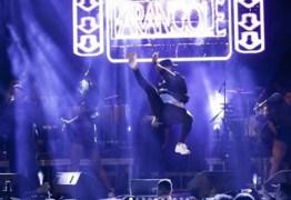 Show da Banda Parangolé é interrompido por tiros – VEJA VÍDEO