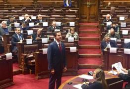 EM MONTEVIDÉU: Senador Veneziano toma posse no Parlasul e já debate acordo comercial entre Mercosul e União Européia