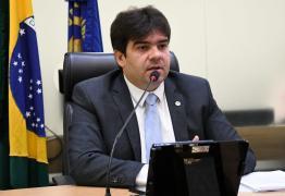 Eduardo Carneiro lamenta veto a projeto que obrigava divulgação de obras paralisadas na Paraíba