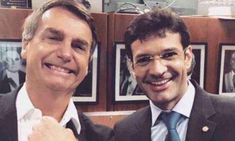 bolsonaro e marcelo alvaro 600x360 300x180 - PF indicia 3 assessores de ministro e 4 candidatas no caso das laranjas do PSL