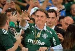Acompanhado por crianças, Bolsonaro é vaiado em estádio – VEJA VÍDEO
