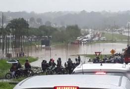 ALAGAMENTOS E MORTES: Fortes chuvas causam transtornos no Grande Recife; tráfego está comprometido – VEJA VÍDEO