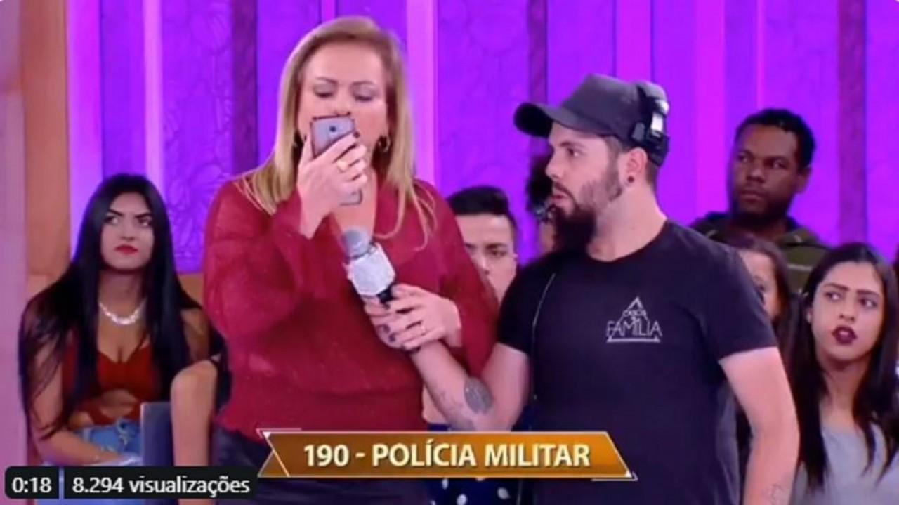 christina 11839791 - Homem confessa agressão contra mulher durante programa de TV e apresentadora chama polícia - VEJA VÍDEO