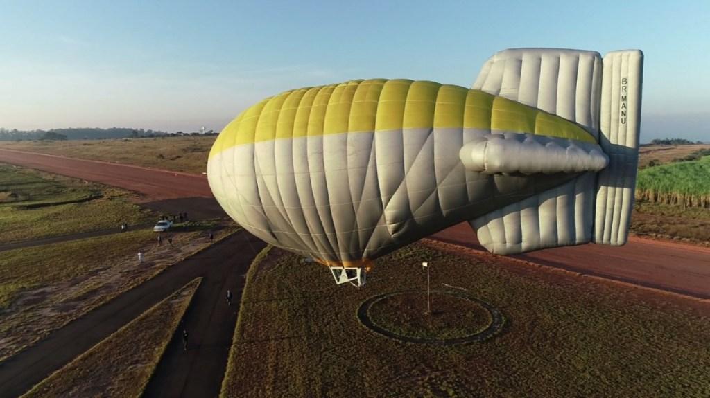 dirigivel 5 1024x575 - Piloto restaura dirigível de ar quente para voar como Santos Dumont