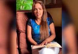"""""""Estão explorando demais a minha dor"""", diz Flordelis sobre assassinato de esposo"""