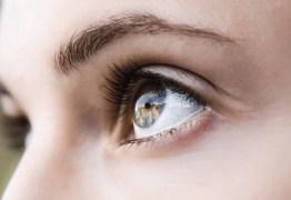 Cientistas criam lentes de contato que dão zoom ao piscar