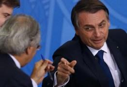 Pacote econômico de Bolsonaro quer alterar teto de gastos em saúde e estabilidade de servidores públicos