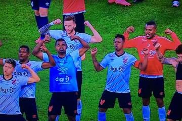 provocacao athletico - Jogadores do Athletico provocam o Flamengo após eliminação do clube carioca no Maracanã
