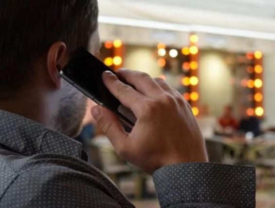 telefone 300x226 - Empresas de telecomunicação devem lançar lista de consumidores que desejam bloquear ligações de telemarketing