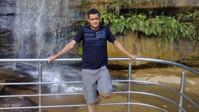 xjoaniz almeida.jpg.pagespeed.ic .elKerjRJmX 300x169 - Jovem é preso por matar marido da amante em troca de R$ 50