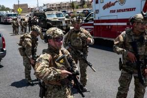 000 1jb0ft 300x200 - Tiros deixam pelo menos 15 mortos e dezenas de feridos em centro comercial no Texas