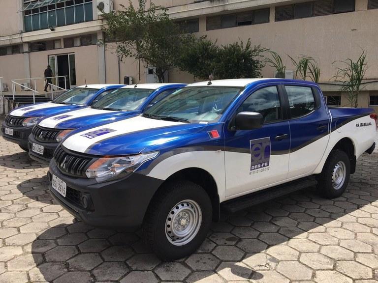 182762c4 8ec2 4b9c a50b 921f2cd37a2e - João Azevêdo entrega veículos ao DER para manutenção da malha rodoviária nesta terça