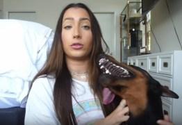 IMAGENS FORTES: Youtuber publica vídeo batendo em cachorro e é processada – ASSISTA