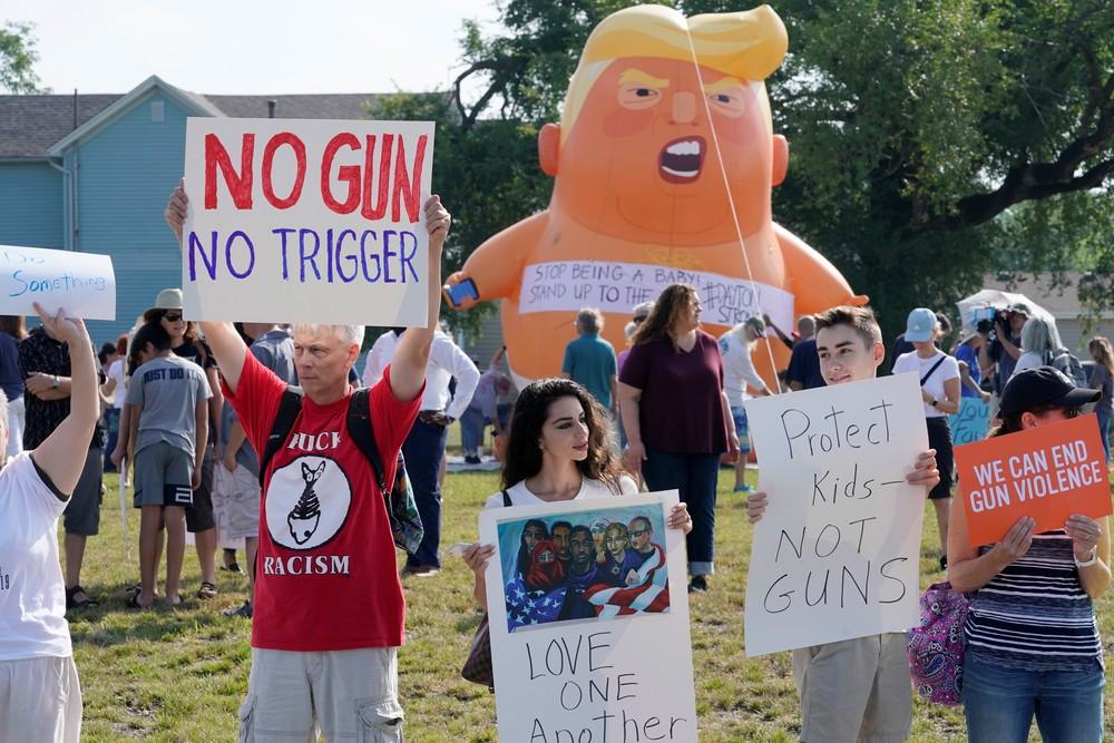 2019 08 07t143903z 453663044 rc1b3290c5f0 rtrmadp 3 usa shooting ohio - Em meio a protestos, Trump chega a Dayton, em Ohio, após massacre